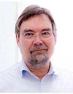 Dr. med. Arnold Broja